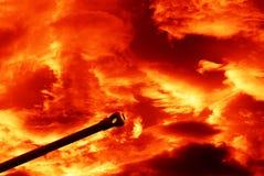 Kanon onder rode hemel royalty-vrije stock foto's