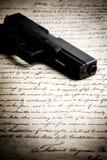 Kanon op grondwet royalty-vrije stock afbeelding