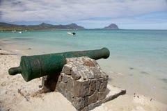 Kanon op het Strand van La Preneuse in Mauritius Royalty-vrije Stock Fotografie