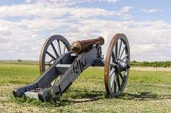Kanon på böjelses gamla fort Arkivfoton