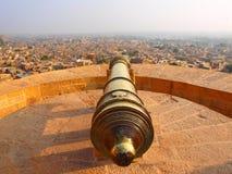 Kanon på det Jaisalmer fortet Arkivbild
