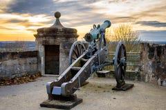 Kanon som skyddar fästningen Royaltyfri Fotografi