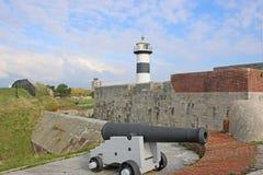 Kanone durch Southsea-Schloss lizenzfreie stockfotos