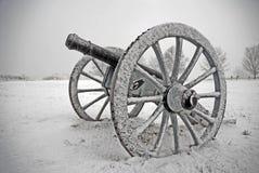 Kanone im Schneesturm Stockbild