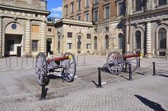 Kanonen in Royal Palace-Hof, Stockholm, Schweden lizenzfreies stockbild