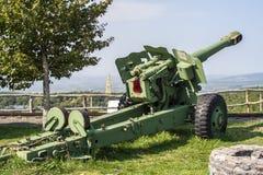 Kanonengewehrmilitärfahrzeug stockfotografie