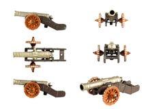 Kanonenspielzeug auf dem weißen Hintergrund Lizenzfreie Stockfotos