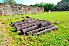 Kanoner från de koloniala tiderna Arkivbild