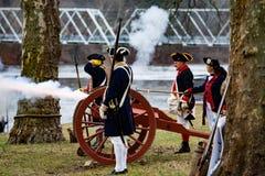 Kanoner som avfyras för general Washington Arkivfoto