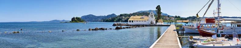 Kanoni i den Korfu staden, Grekland Arkivfoto