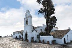 Kanoni, l'église de Panagia Vlacherna et l'île de souris sur l'île grecque de Corfou Photographie stock