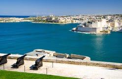 Kanonnen bij St James Counterguard Barrakka tuinen, Valletta, Ma stock afbeeldingen