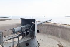 Kanonnen door het overzees Royalty-vrije Stock Foto