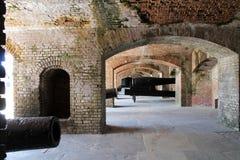 Kanonnen in fortbunker Royalty-vrije Stock Afbeeldingen