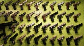 Kanonnen voor verkoop Royalty-vrije Stock Foto's