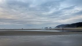 Kanonstrand, oregon royaltyfri bild