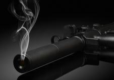 Kanonvat met rook Royalty-vrije Stock Foto's