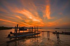 Kanot och solnedgång Royaltyfri Bild