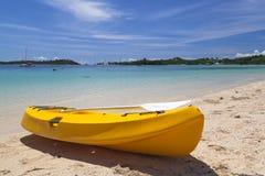 Kanot på stranden royaltyfri fotografi