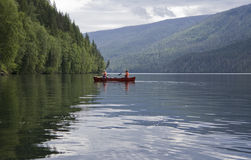 kanota flicka för pojke Arkivbilder