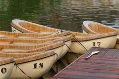 kanotar trä Fotografering för Bildbyråer