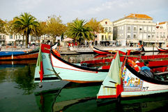 Kanoter i Aveiro, Portugal arkivfoto