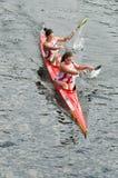 Kanotkvinnligmaraton royaltyfri fotografi