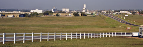 Kansas--Bandeja da skyline da cidade do rodeio fotos de stock royalty free