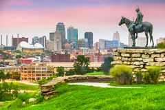 Kansas City, Missouri, usa ?r?dmie?cia linia horyzontu obrazy royalty free