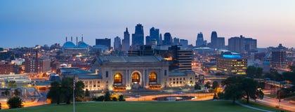 Kansas- CitySkylinepanorama. Lizenzfreie Stockbilder