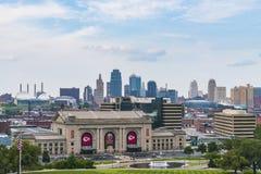 Kansas, Missouri, usa 09-15-17, piękna Kansas miasta linia horyzontu dalej Obraz Stock