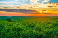 Kansas solnedgång i Flint Hills Arkivbild