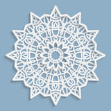 Kant 3D mandala, rond symmetrisch openwork patroon, kanten doily, decoratieve sneeuwvlok, Arabisch ornament, Indisch in reliëf ge royalty-vrije illustratie