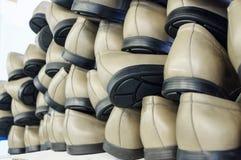Kant-en-klare paren schoenen Stock Foto's