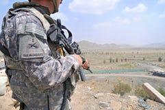 kant för 6 afghan som kontrollerar observationspunkt Arkivbild