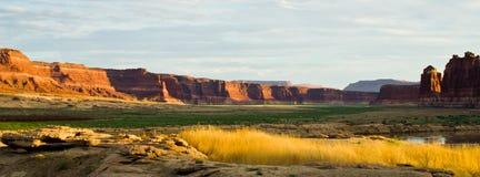 Kant van de weglandschap in Utah op het noordelijke eind van Glen Canyon Royalty-vrije Stock Foto's