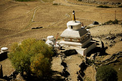 Kant van de wegstupas in ladakh India Royalty-vrije Stock Fotografie