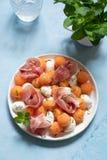 Kantalup melonowa sałatka z mozzarellą i baleronem fotografia stock