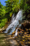 Kanto Lampo vattenfall på den Bali ön Indonesien Royaltyfri Bild