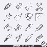 Kantoorbehoeftenpictogrammen geplaatst zwart-witte lineart Stock Foto's