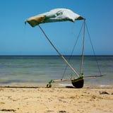 Kanu auf dem Strand Stockbild