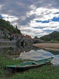 Kanu in dem See lizenzfreie stockfotografie