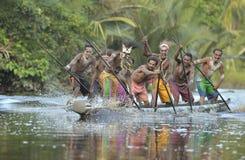Kanukriegzeremonie der Asmat Leute Lizenzfreies Stockfoto
