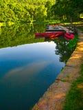 Kanus an Dock 4 Lizenzfreies Stockbild