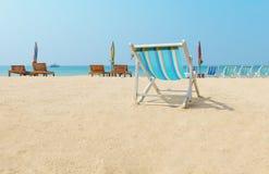 Kanwy plażowy łóżko na plaży Zdjęcia Stock