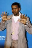 Kanye West sur le tapis rouge Photos stock