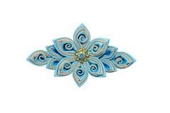 Kanzashi Blå konstgjord blomma som isoleras på vit bakgrund Royaltyfria Bilder