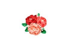 Kanzashi Rood, perzik, purpere die kunstbloemen op whit worden geïsoleerd Stock Foto