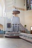Kanzel einer alten Kirche Lizenzfreie Stockfotos