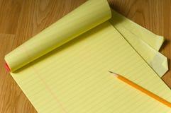 Kanzleibogenblock und Bleistift Lizenzfreies Stockfoto